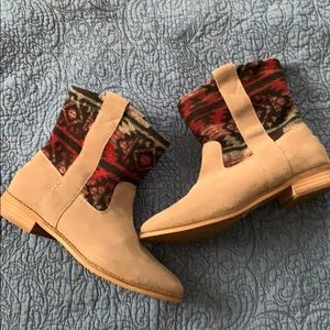 TOMS Laurel Tribal Suede Booties 8.5 NWOB
